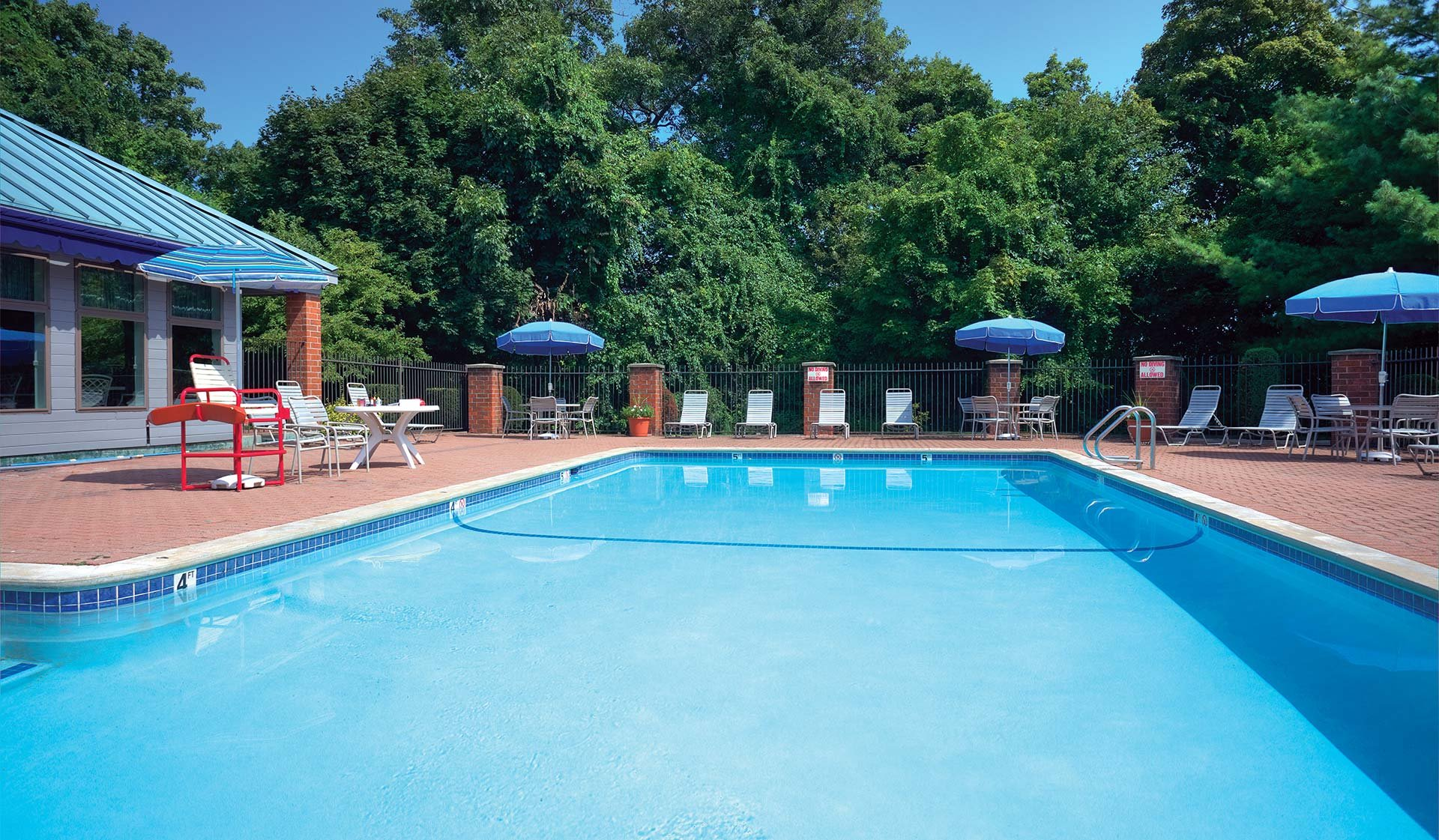 Vantage Pointe - Swampscott - pool